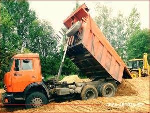 КАМАЗ с высоко поднятым кузовом