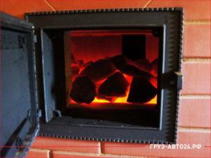 Современная печь для коттеджа на угле